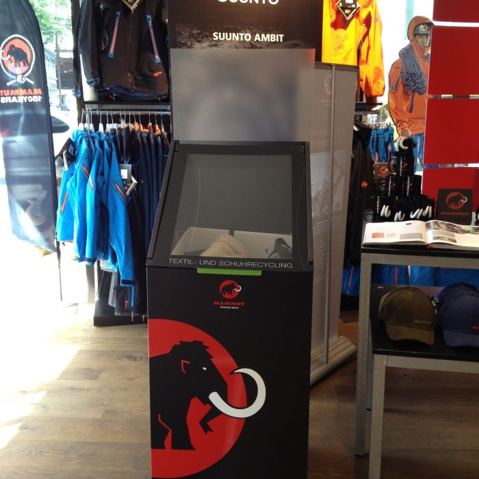 Collecting at Mammut Store